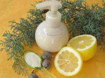 Lait végétal tonique pour le corps au Cyprès