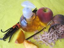 Shampooing Pêche et Vanille au Bois de Panama pour cheveux foncés