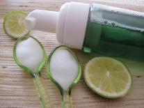 Mousse nettoyante visage Mangue & Citron vert