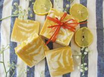Pain de savon marbré au Citron Meringué