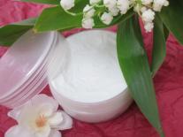 Crème légère aux Fleurs de Muguet et Cerisier