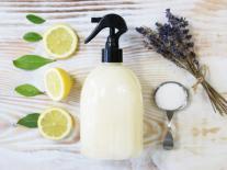 Spray nettoyant anti-calcaire pour salle de bain