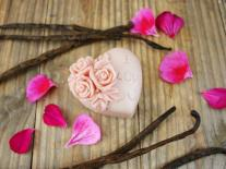 Barre de massage fondante aux fleurs de Rose et Vanille