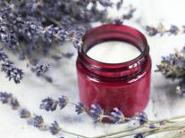 Crème bienfaisante pour les mains à la lavande