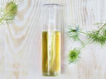 Fluide aux huiles purifiantes et assainissantes