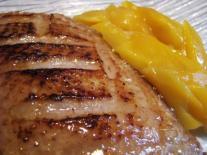Magret de Canard au miel et compotée de mangues au Petitgrain